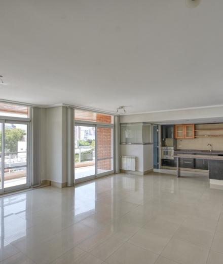 Venta | Jujuy 2400. Piso exclusivo de 3 dormitorios.